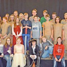 """Theater am Plöner Gymnasium: """"Theseus und Minotaurus"""" – auf Latein"""